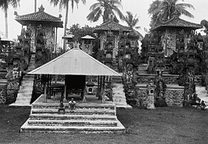 Pura Dalem Segara Madhu - The inner courtyard of Pura Dalem Segara Madhu in early 20th-century.