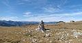 Cairn et panorama, Pla Guillem, Pyrénées orientales.jpg