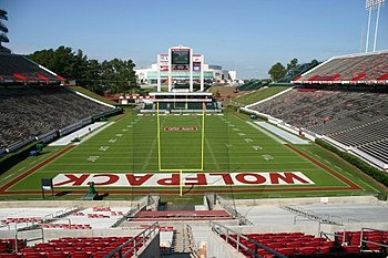 Description de l'image Carter-finley stadium.jpg.