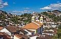 Casas, igrejas e céu.jpg