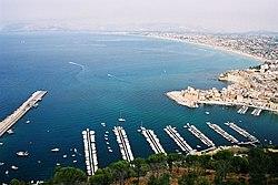 Tipica giornata di sole a Castellammare del Golfo, in Sicilia