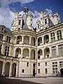 Chambord - château, cour (25).jpg