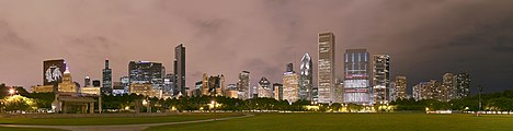 Chicago Grant Park night pano.jpg