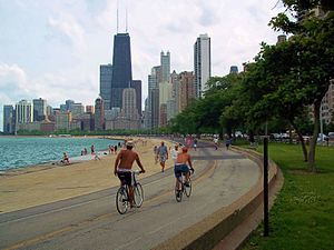 English: Chicago Lakefront Trail near Gold Coast