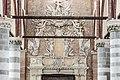 Chiesa di San Lorenzo a Vicenza - Interno - Monumento di Giambattista Porto.jpg