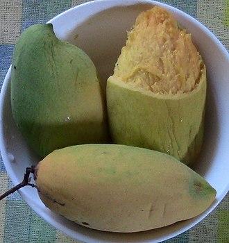 Chok Anan - Image: Chok anan mangoes semi ripe and ready to eat