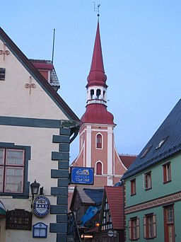 Church and pubs, Pärnu 2006.jpg