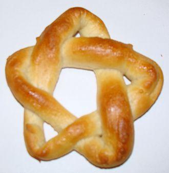 Cinquefoil knot - Edible cinquefoil knot.
