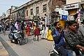 Circulation dans les rues de Varanasi (6).jpg