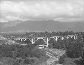 ColoStBridge,1920.jpg