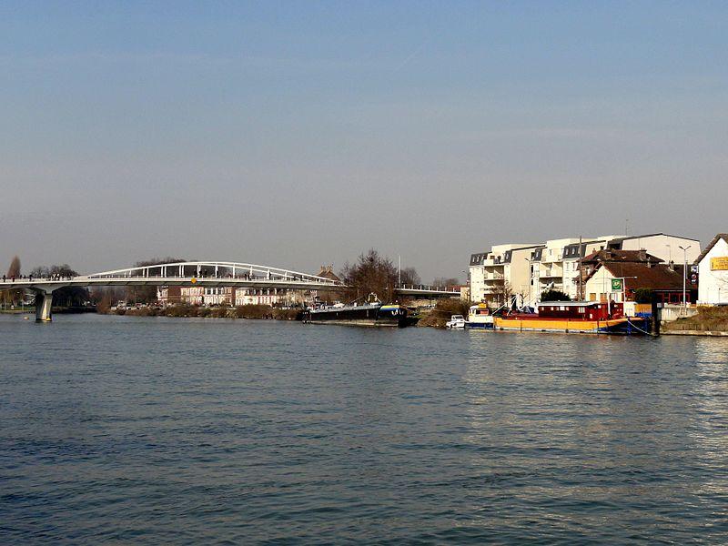 File:Compiègne (60), nouveau pont sur l'Oise.jpg
