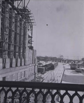 Government Conference Centre - Construction of the station with view of railway lines and the Rideau Canal