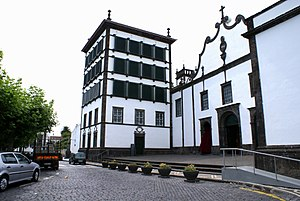 São José (Ponta Delgada) - The Convent of Our Lady of Hope is the devoted Sanctuary of the Lord Holy Christ of the Miracles.