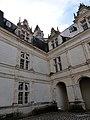 Cour intérieure du château de Villandry 23.jpg