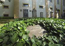 Das Grab von Lucas Cranach d. Ä. auf dem Jacobsfriedhof in Weimar (Quelle: Wikimedia)