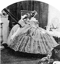 Crinoline joke photograph sequence 05.jpg