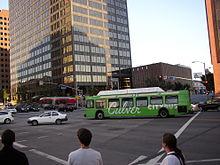 Un autobus della Culver City bus in transito