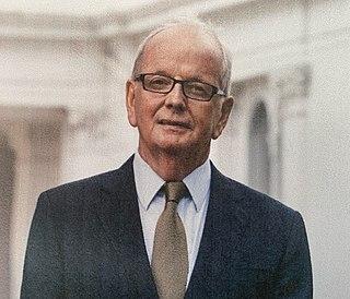 Desmond Fitzgerald (professor) Irish doctor, 5th President of the University of Limerick