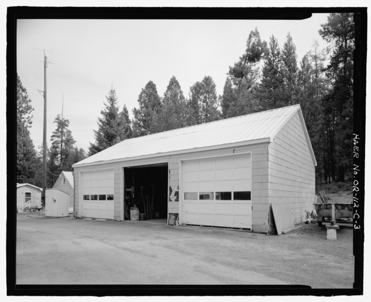 File:Damkeeper's Shop-Garage, view to northeast - Wickiup Dam, Damkeeper's Headquarters, Deschutes River, La Pine, Deschutes County, OR HAER OR-112-C-3.tif