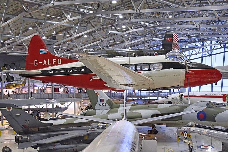 File:De Havilland DH104 Dove 6 'G-ALFU' (39350237935).jpg