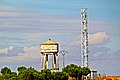 Depósito de agua y torre de comunicaciones en Villalube.jpg