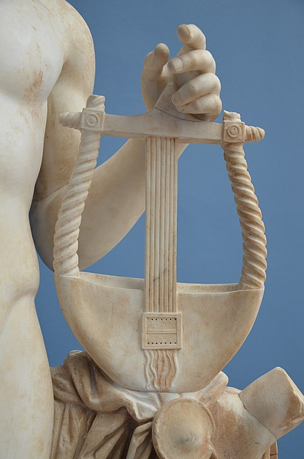 Detail of Apollo's lyre Detail of the statue of Apollo holding the kithara, from the Temple of Venus (Casino Fede) at Hadrian's Villa, Ny Carlsberg Glyptoteket (12233881783).jpg