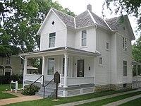 Dixon Il Reagan Boyhood Home1.jpg