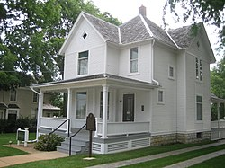 Dixon Il Reagan Boyhood Home1.jpg