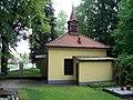 Dolní Chabry, hřbitovní kaple.jpg