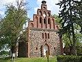 Dorfkirche Hennickendorf mit Storchennest - panoramio.jpg