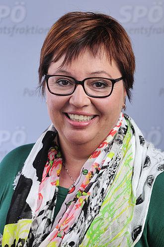 Sabine Oberhauser - Oberhauser in April 2014