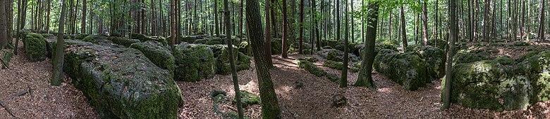 https://upload.wikimedia.org/wikipedia/commons/thumb/b/ba/Druidenhain_Panorama_01.jpg/780px-Druidenhain_Panorama_01.jpg