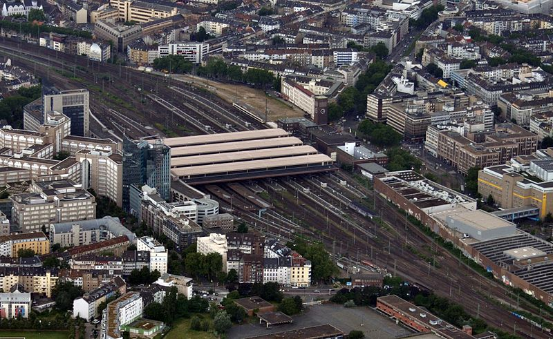 File:Duesseldorf-hbf-2016.jpg