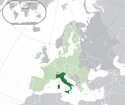 Location of  Italy  (dark green)– on the European continent  (green & dark grey)– in the European Union  (green)  —  [Legend]