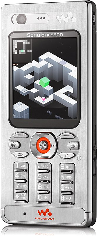 Mobile game - Screenshot of Edge gameplay mocked up on a Sony Ericsson W880i mobile phone