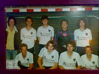 Youri Mulder - Image: Eerste team van Adelaars in 1990