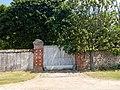 Entrée château Bouglainval.jpg