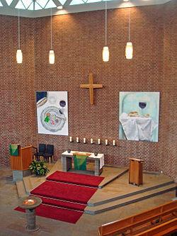 Evangeliumskirche-gt-innen.jpg