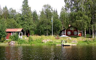 Affordable housing -  A cheap-to-build traditional Summer house in Sweden that legally can't be lived in permanently.