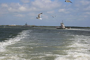 Hatteras, North Carolina - Image: Ferries Crossingfrom Hatterasto Ocracoke