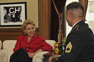 Christine Gregoire - Sgt. Leroy Petry, visits Governor Gregoire in her office in Olympia.
