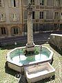 Fontaine de la rue du château de Neuchâtel.jpg