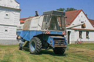 Fortschritt E 512 Self-propelled combine harvester