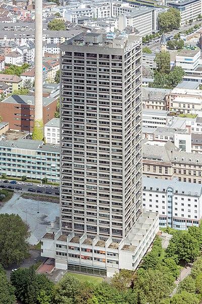 File:Frankfurt Am Main-AfE-Turm-Ansicht vom Messeturm-20130525.jpg