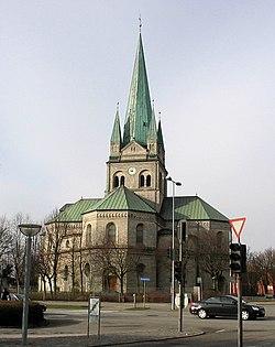 Frederikshavn Kirke 2005 ubt.jpg