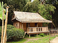 Générargues-Bambouseraie-Village laotien-5.jpg