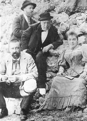 Antoni Gaudí - Gaudí (in the background) with his father (centre), his niece Rosa and doctor Santaló during a visit to Montserrat (1904)