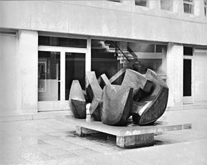 André Dekeijser - Giant Laying Forms 1971, Arlon-Triers