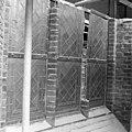 Gedeelte raam west-gevel tijdens restauratie - 's-Gravenhage - 20085118 - RCE.jpg