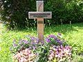 Gedenkkreuz für Karl-Heinz Kube (Todesopfer an der Berliner Mauer).jpg
